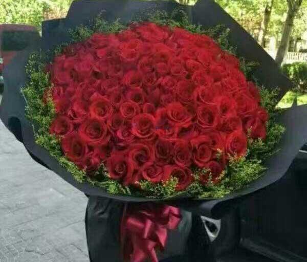 99支玫瑰花束